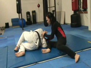 Kneeling Headlock Escape with a roll and triple joint lock