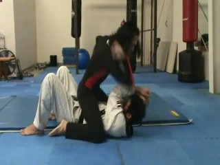 Standing guillotine escape